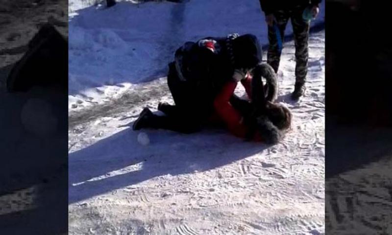 Школьница из Красноярска умерла после избиения сверстниками