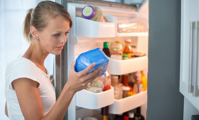 Ученые составили топ продуктов, которые можно есть просроченными