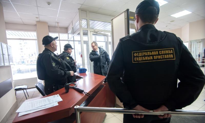 За долги по алиментам водительские права отобрали у 270 тысяч россиян