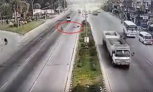 Отлетевшее от грузовика