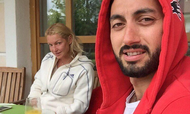 Волочкова хочет взять компенсацией с