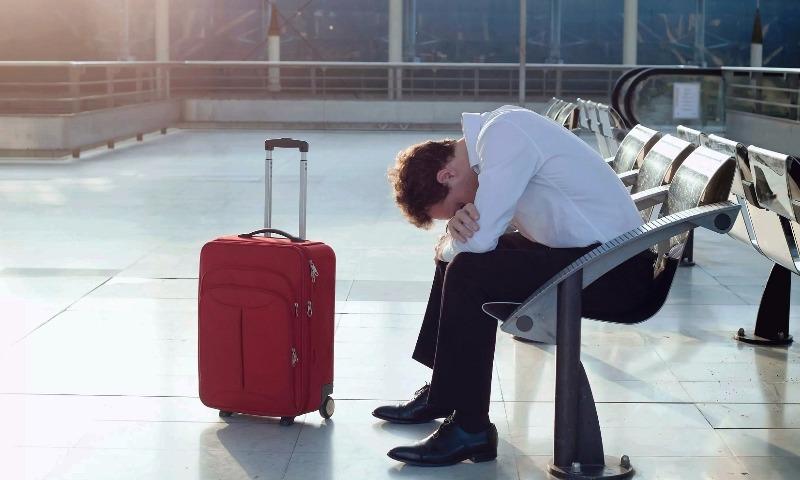 Стало известно, скольким россиянам запрещено из-за долгов выезжать за границу