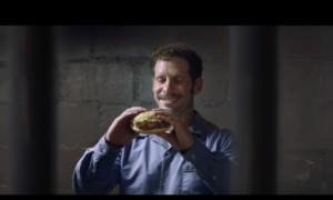 «Черный юмор на тему смертной казни»: реклама как отражение  общества
