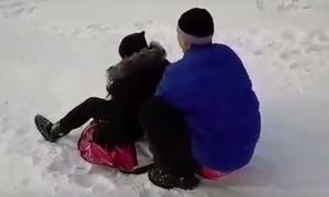 Девушка на «ватрушке» протаранила автомобиль в Бурятии