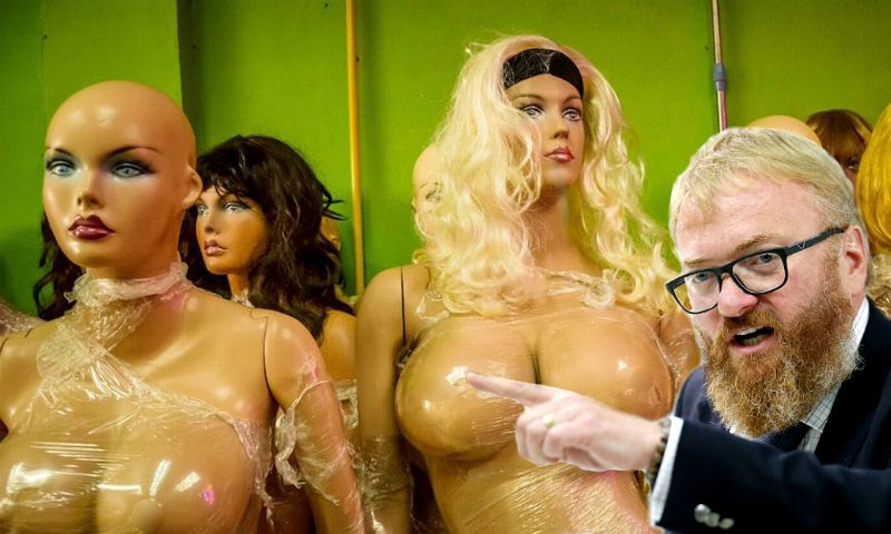 Милонов объявил войну манекенам с большой грудью