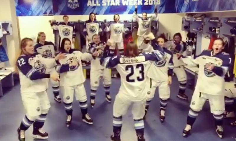 Российские хоккеистки станцевали в раздевалке «под Бузову»