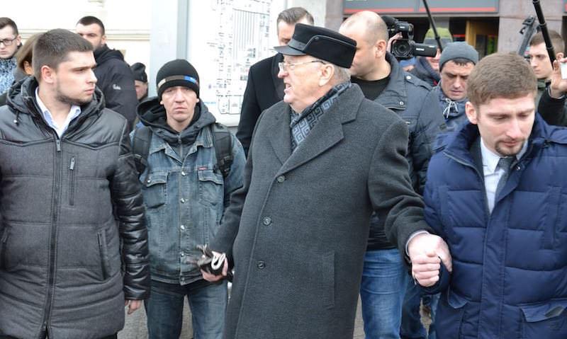 Жириновский набросился на таксиста у Казанского вокзала