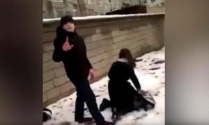 Борцовский прием: в Дагестане подростки издевались над школьницей