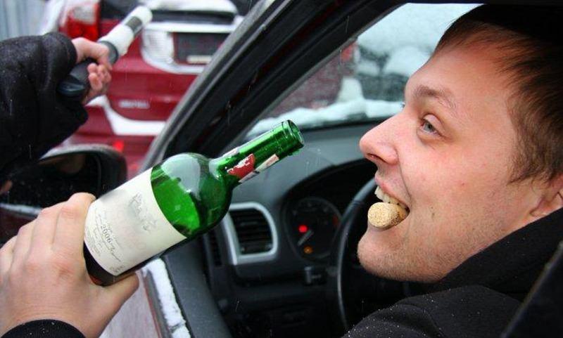 В России ужесточат наказание для пьяных водителей, якобы выпивающих