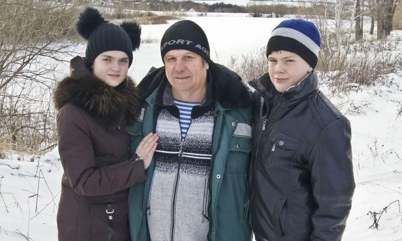 В Рязанской области мужчина вытащил из ледяной воды тонувших детей