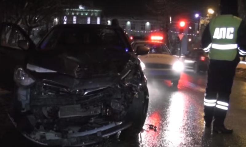 Секс в автомобиле в Кирове привел к крупному ДТП