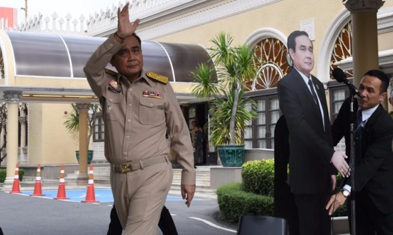 Тайский премьер сдал журналистам двойника, чтобы избежать вопросов о выборах