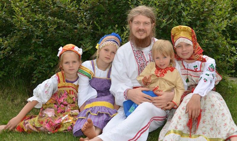 Социологи: жители России стали осознано отказываться отсамого рождения детей