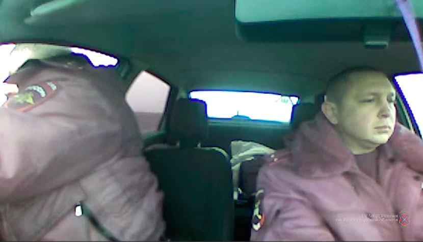 Для задержания лихача инспекторы ДПС применили табельное оружие в Волгограде