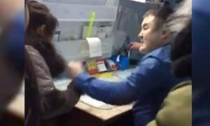 В Якутии заведующий больницей избил пришедшую снимать побои женщину