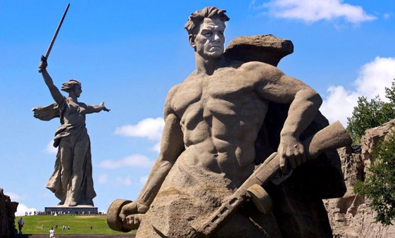 Календарь: 2 февраля - 75 годовщина нашей победы в Сталинградской битве