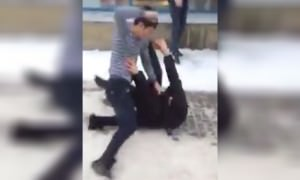 Работники супермаркета в Петербурге избили клиентов за замечание