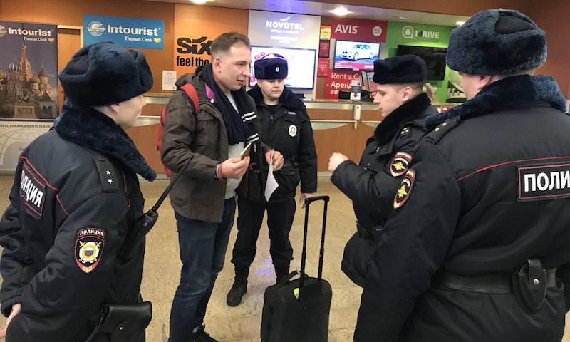 Главу Фонда борьбы с коррупцией задержали в московском аэропорту