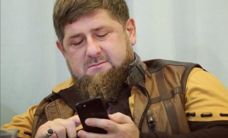 Роскомнадзор отвел Facebook месяц на объяснение причин блокировки соцсетей Рамзана Кадырова