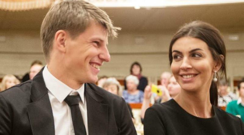 Андрей Аршавин заступился за ревнивицу-жену, обещавшую отрезать пальцы сопернице