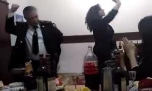 И танцевать нельзя? В Дагестане разбираются с душевным танцем начальника тыла управления МВД