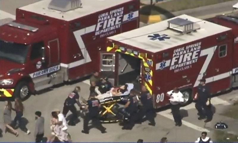 Во Флориде исключенный из школы подросток убил 17 человек