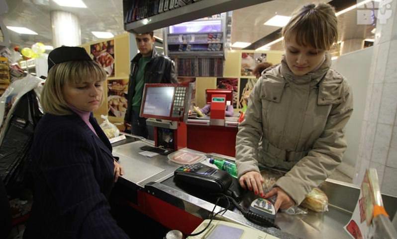 Сбербанк разрешит россиянам снимать наличку,