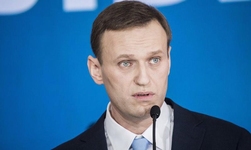 Массовое закрытие штабов Навального: оппозиционер назвал своих сторонников жуликами