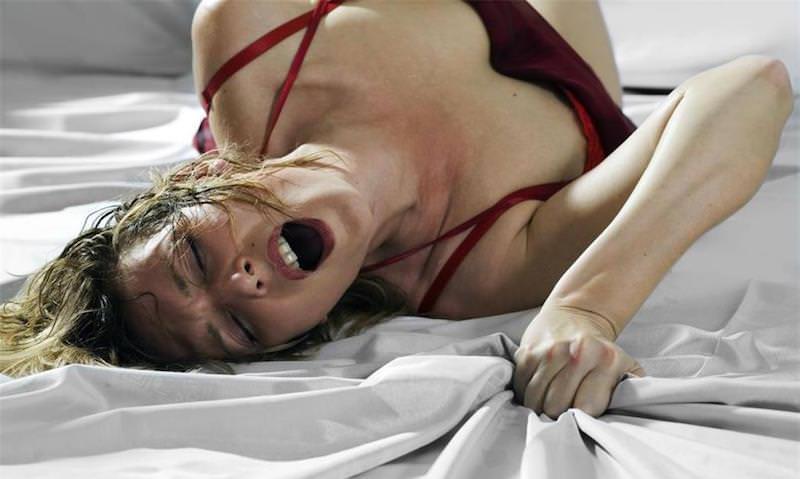 Установлена причина женских стонов во время секса