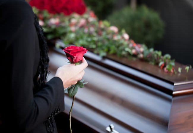 Городская похоронная служба Ритуал предоставляет полный ассортимент ритуальных товаров, аксессуаров и сервиса.