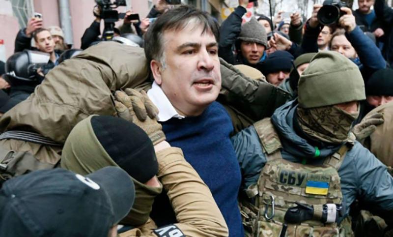 Саакашвили скрутили в киевском ресторане и выдворили с Украины