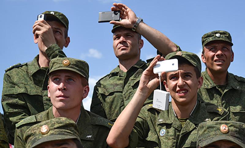 Минобороны порекомендовало военным отказаться от соцсетей