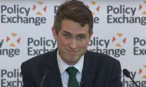«Заткнись и иди вон!»: британский министр нахамил всей России