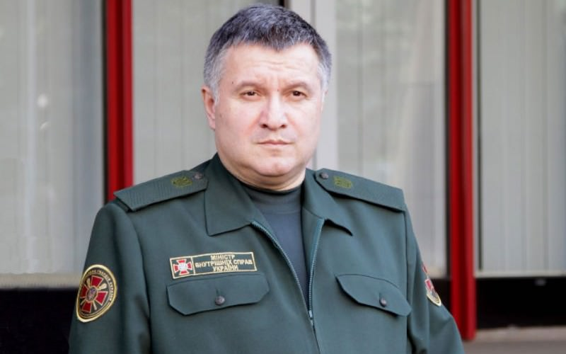 Украинский министр запретил россиянам голосовать на выборах в консульствах РФ