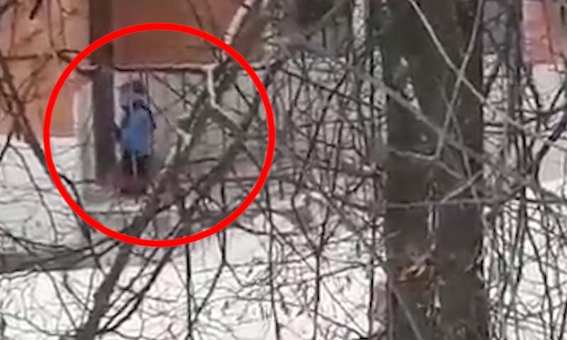Воспитатели детского сада забыли ребенка на улице