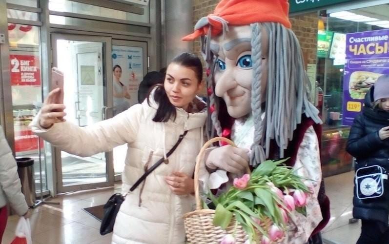 Более 500 000 тюльпанов было продано на народной акции по 1 рублю