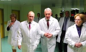 «Всех не пересажаете»: Путин успокоил врачей за ошибки