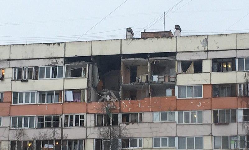 Жилой дом взорвался в Санкт-Петербурге