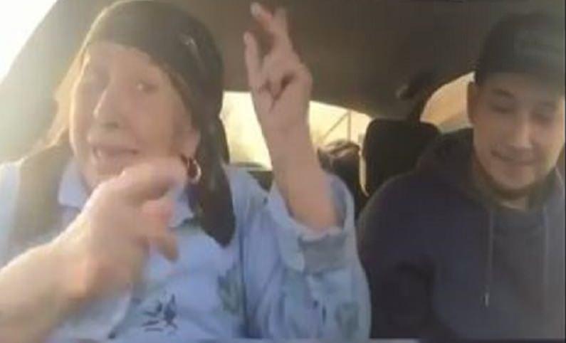 Дагестанская бабушка сразила внука своим рэпом