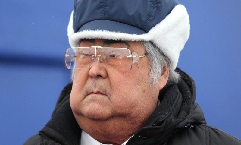 Губернатор Тулеев назвал митингующих в Кемерово бузотерами