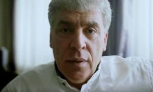 Видео: как Павел Грудинин усы брил