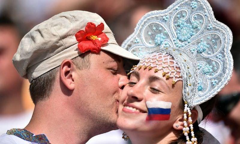 В России нашли 85 процентов счастливых жителей