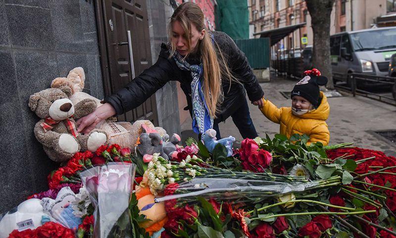 Национальный траур не объявлен. Регионы сами скорбят по жертвам пожара в Кемерово