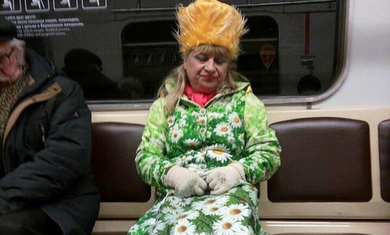 Я думаю, где весна??? А она, блин, в метро катается!!!