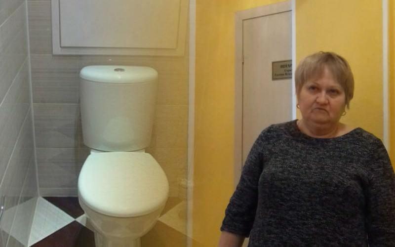 Тюменский нотариус заставила клиентов отмыть туалет