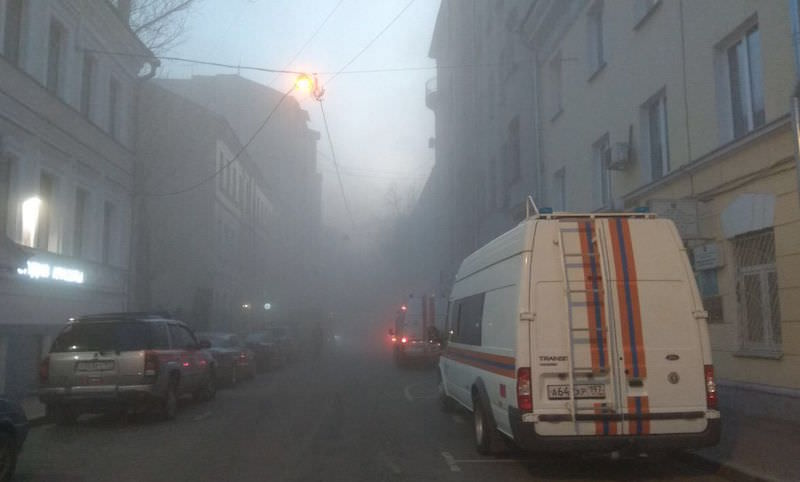 Историческое здание рухнуло в центре Москвы