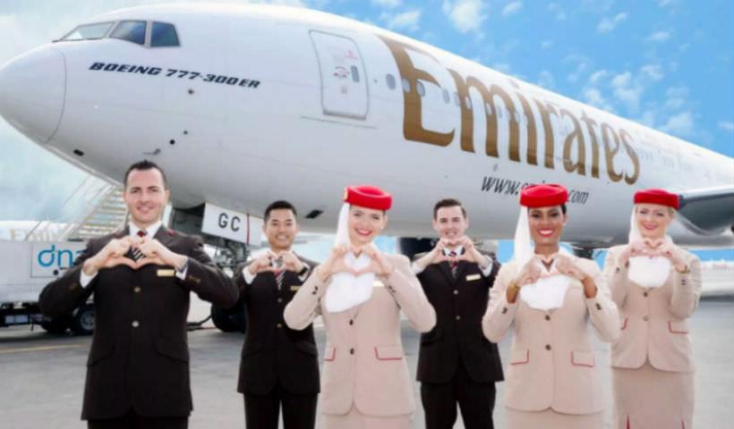 Авиакомпания Emirates забирает багаж из дома пассажиров