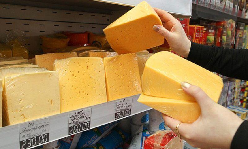 Больше половины сыра на российских прилавках — опасная подделка