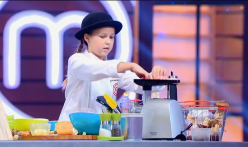 13-летняя девочка стала шеф-поваром крутого кафе