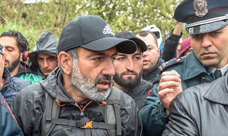 Лидера оппозиции Армении жестко задержали в Ереване